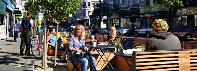 People eating in the Haight Ashbury