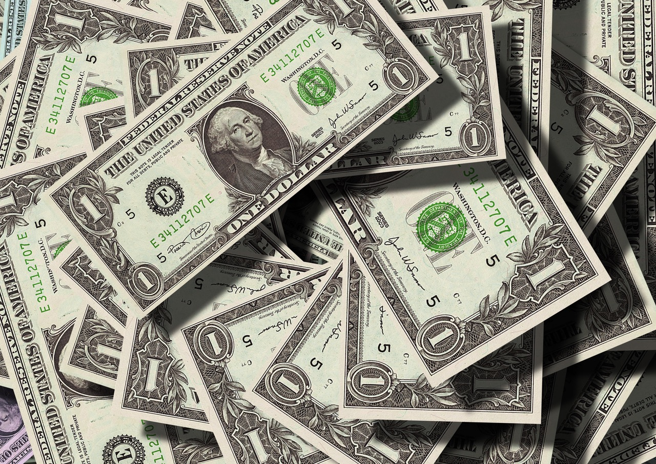 dollar bills movers tip